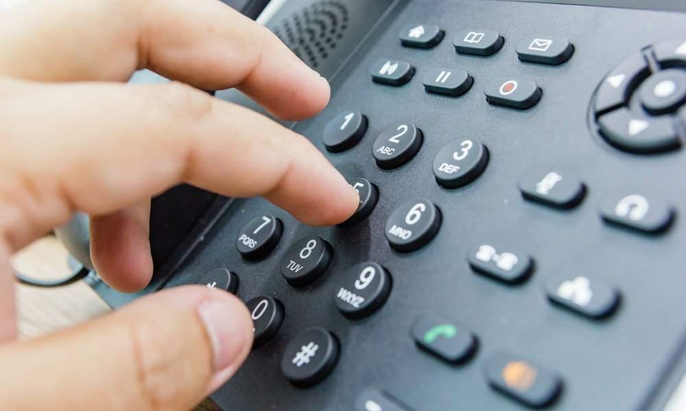 What is a telephone answering service